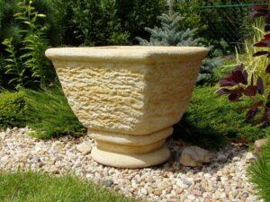 zahradni dekorace váza, květináče